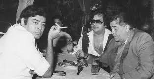 Sanjeev Kumar with Randhir Kapoor and Bappi Lahiri