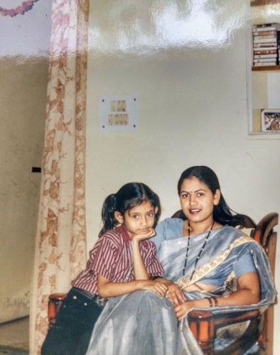 Shivangi Khedkar's childhood picture with her mother