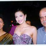 Yukta Mookhey with her parents
