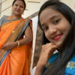 Anjali Gaikwad with her mother