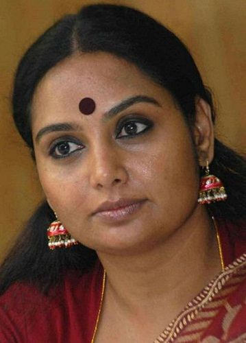 Chakravarthy Chandrachud's second wife, Shruthi