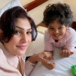 Pushpika De Silva with her son