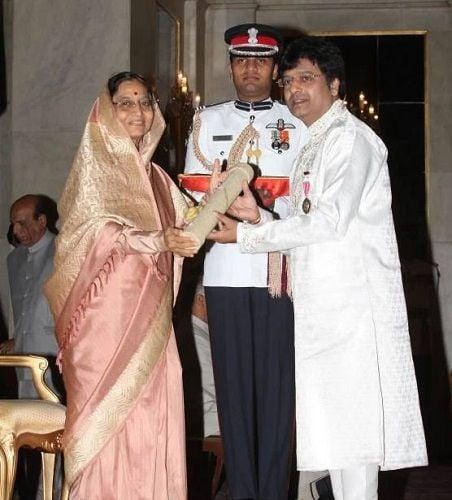 Vivek receiving the Padma Shri Award