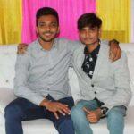 chetan sakariya with his brother