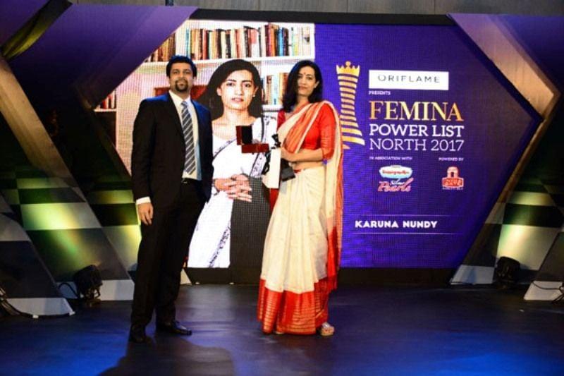 Chitresh Gupta VP DS Group presenting the award to Advocate Karuna Nundy at Femina Power List North 2017