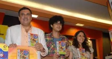 Boman Irani (L) and Imaad Shah (C) at the DVD launch of the movie 'Little Zizou' at Landmark, Mumbai in 2009