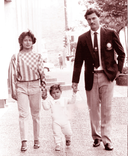 Roger Binny with his family
