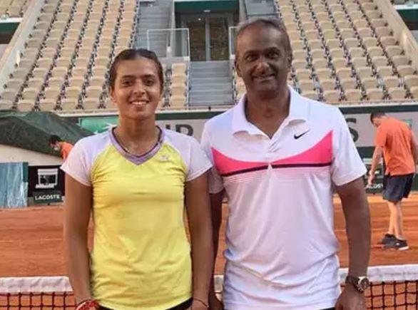 Ankita with her coach Arjun Kadhe