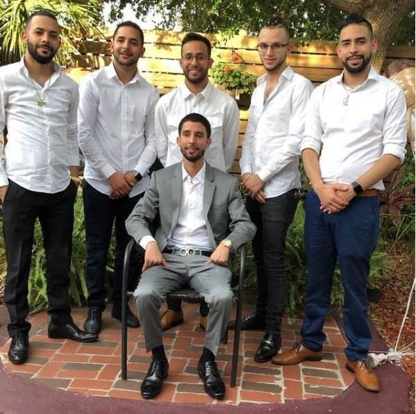 Anwar Jibawi with his all brothers