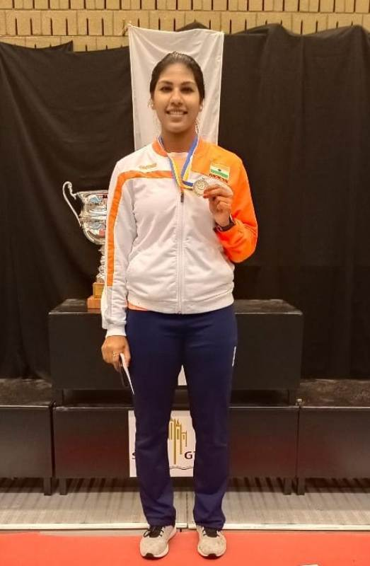 Bhavani Devi while showing her Silver medal in Women's Sabre at the Tournoi Satellite held at Gent, Belgium