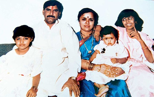 Gopinath Munde with his wife, Pradnya Munde and their daughters
