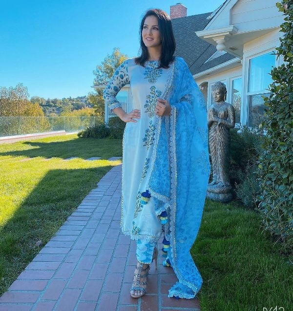Sunny Leone posing in front of her house in Los Angeles