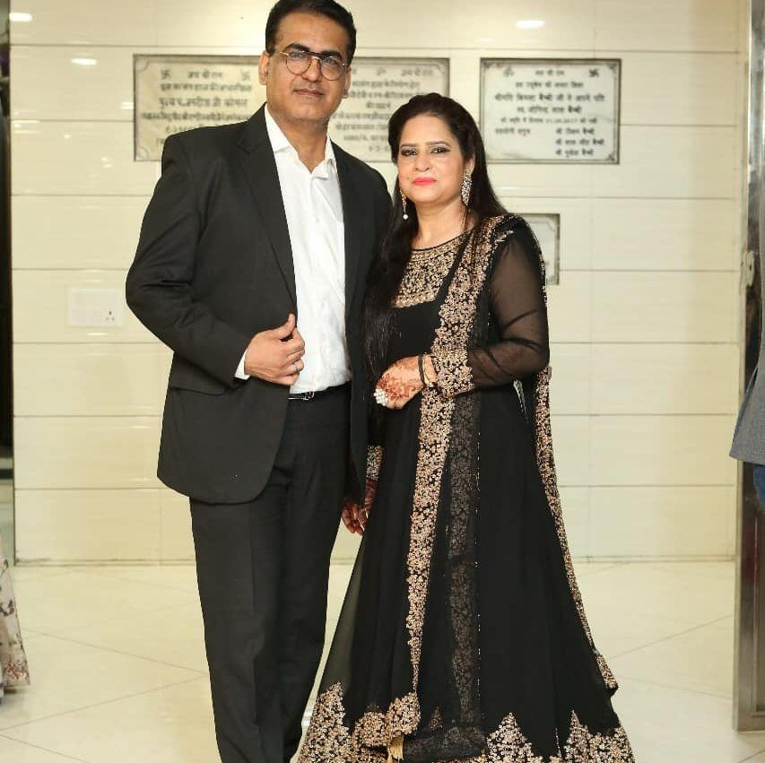 Dr. Hemant Kalra with his wife