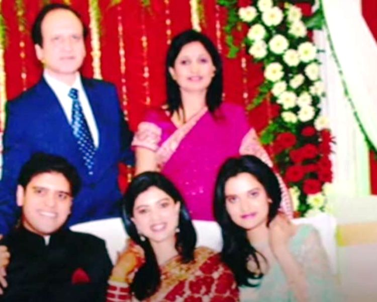 Usha Sangwan with her husband, children, and daughter-in-law
