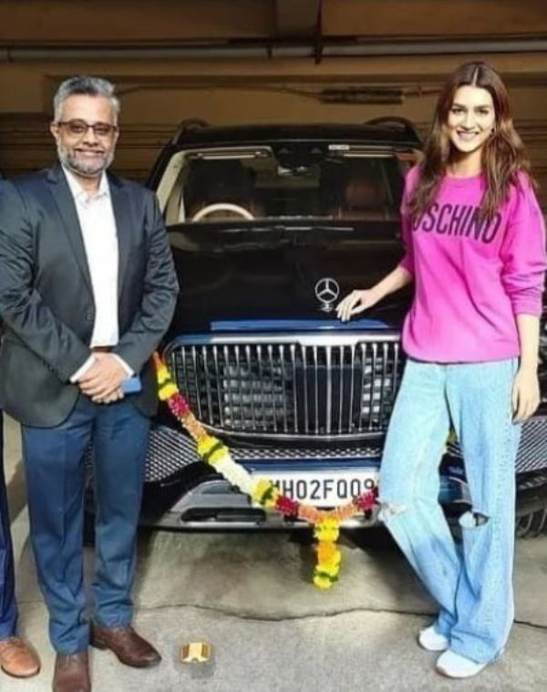 Kriti Sanon with her Mercedes Maybach GLS 600
