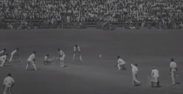Mankad bowling during a match