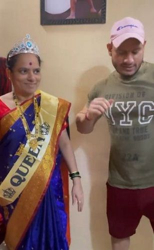 Manoj Patil with his mother