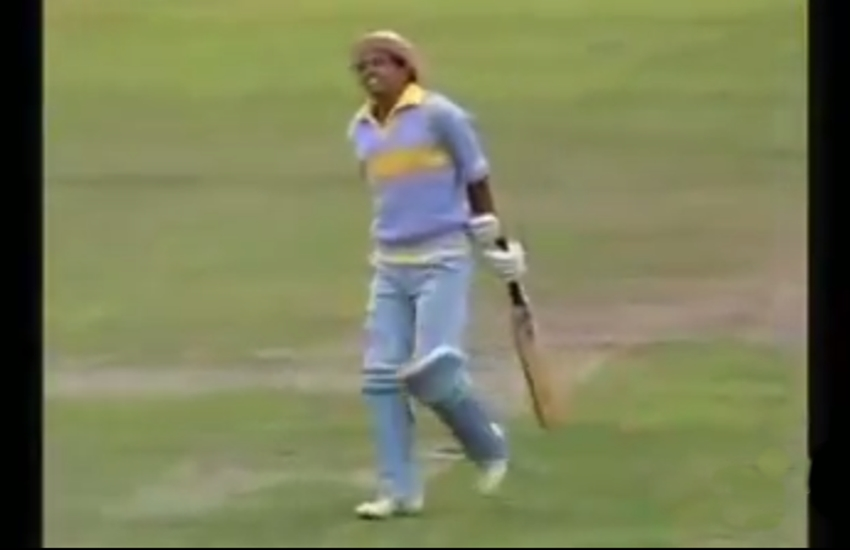 Mohinder Amarnath dissapointed after given out obstructing the field