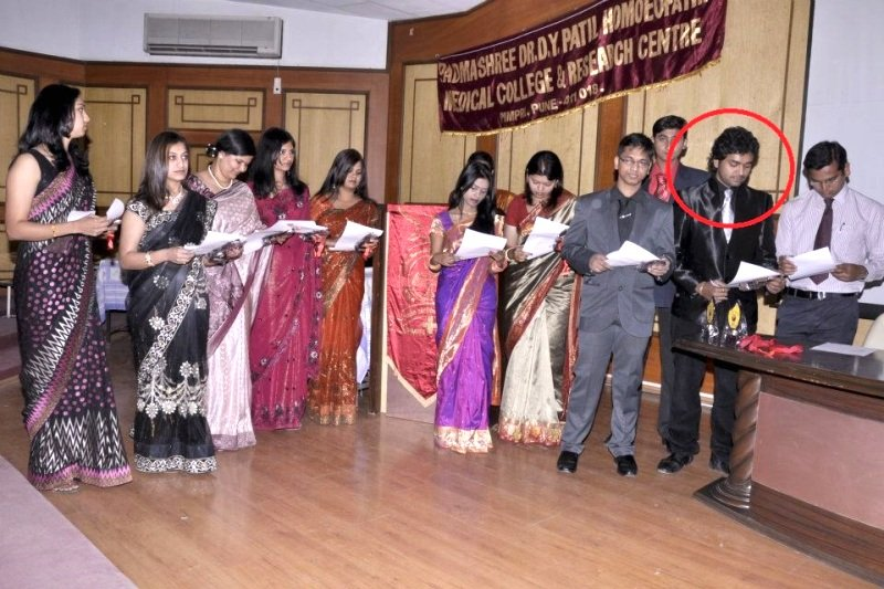 Utkarsh Shinde taking The Hippocratic Oath at Padmashree Dr DY Patil Homeopathic Medical College and Research Centre